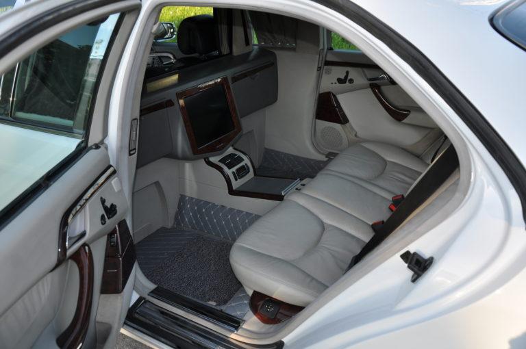 sedan24 (1)